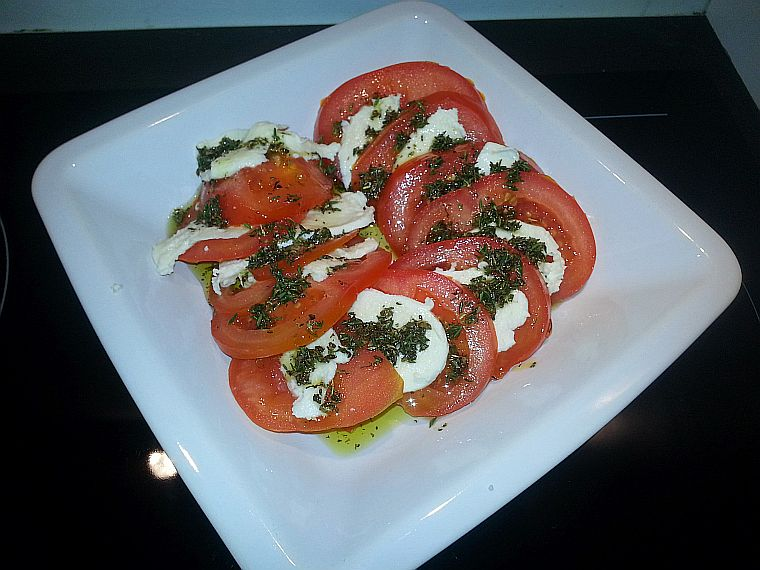 pomidory_z_mozarella_1