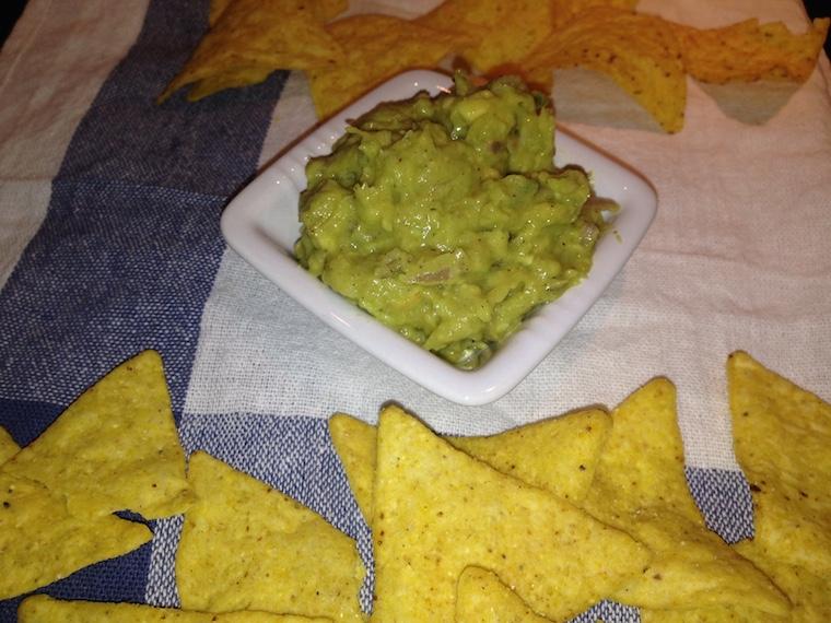 nachos-z-guacamole