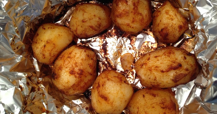 Pieczone ziemniaki w całości