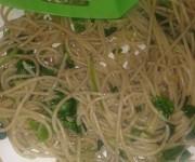 Spaghetti ze świeżą bazylią