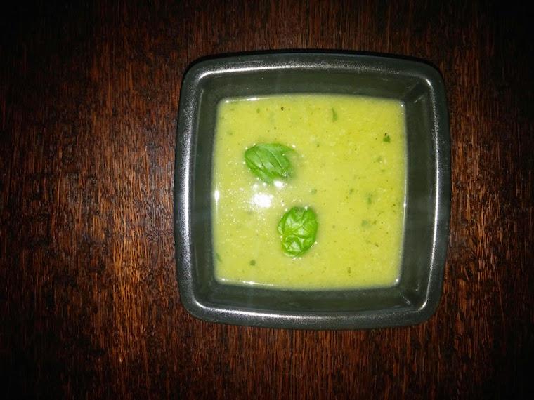aromatyczna-zupa-z-cukinii