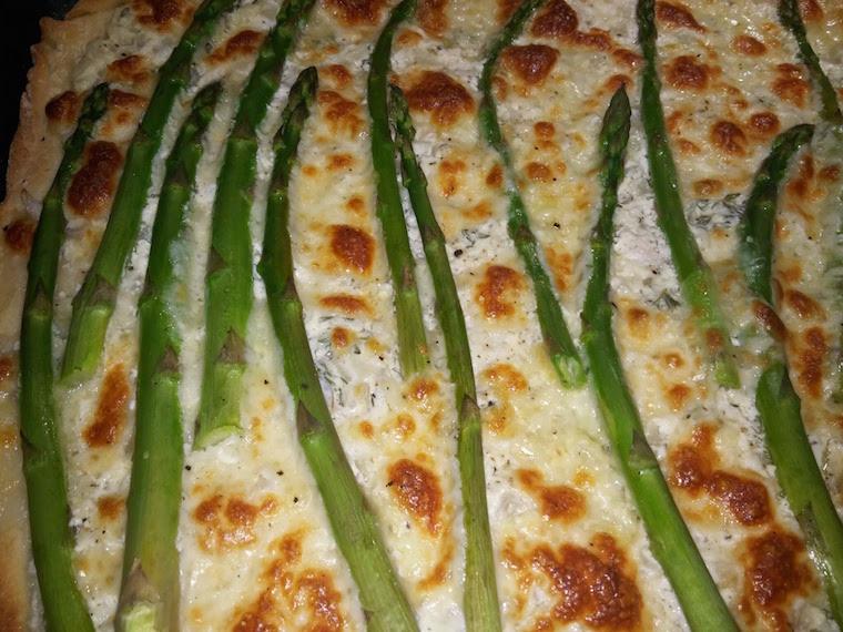 pizza-z-bialym-sosem