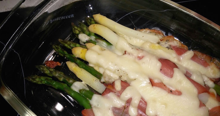 Szparagi białe i zielone z piekarnika