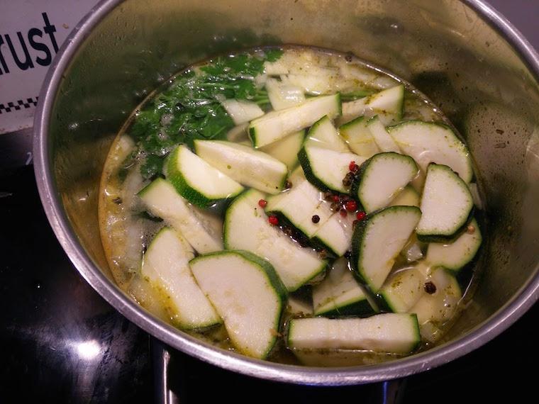 zupa-z-cukinii-przygotowanie
