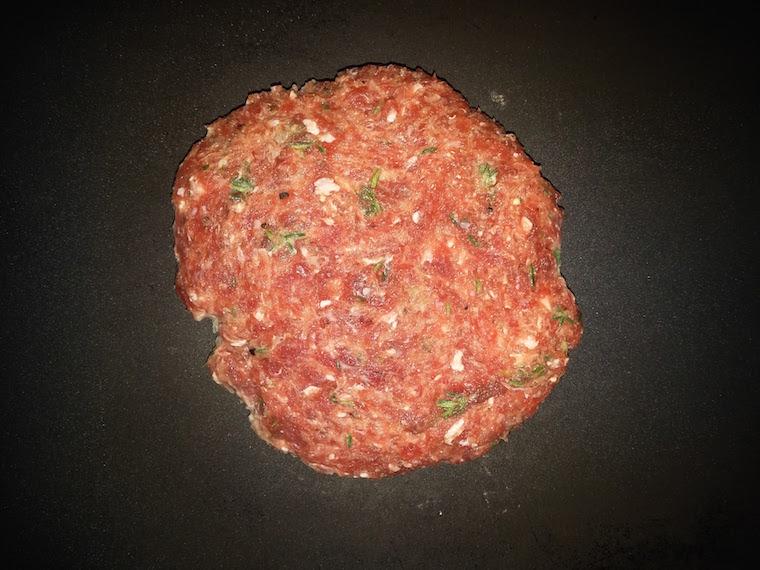 przygotowanie-burgera-tymiankowego