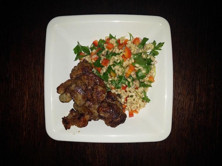 salatka-z-peczakiem-z-watrobka-drobiowa