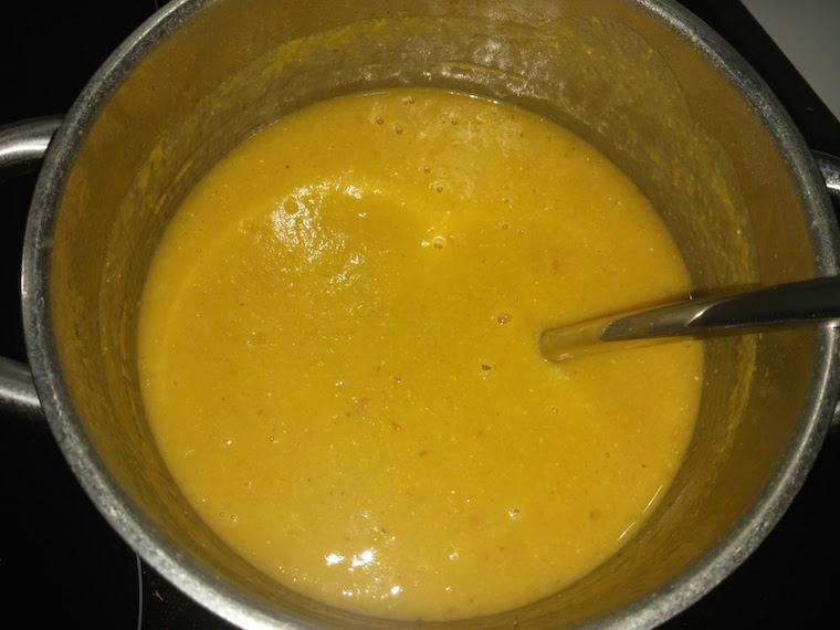 zupa-krem-z-dynii-z-czerwona-soczewica