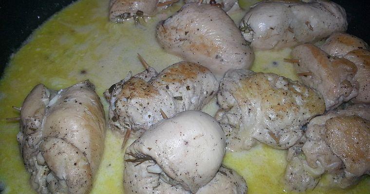 Roladki z piersi kurczaka z serem pleśniowym