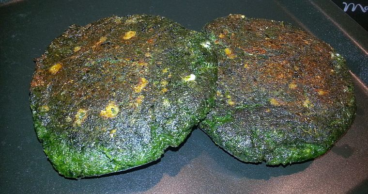 Kale burgers (czyli burger z jarmużu)