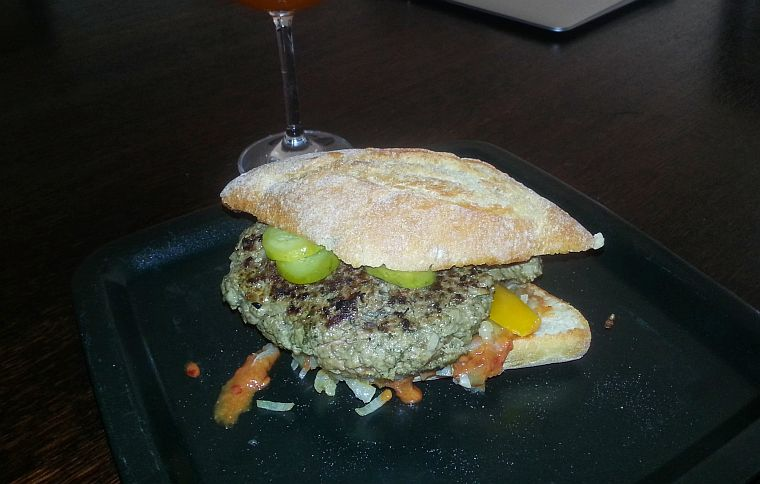 mega_hamburger_1