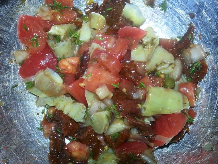 surowka_z_karczochami_i_szuszonymi_pomidorami