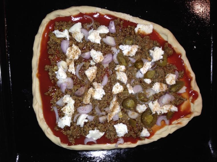 przygotowanie-pizzy-kebab