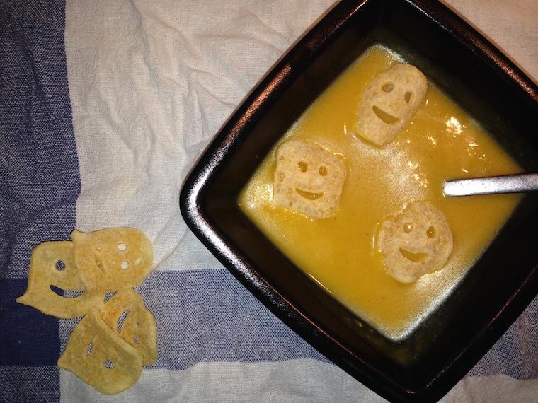 zupa-z-dynii-na-halloween