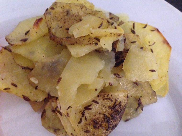 ziemniaki-pieczone-z-kminkiem-w-talarki