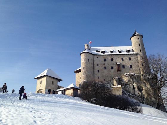 zamek-bobolice-zima