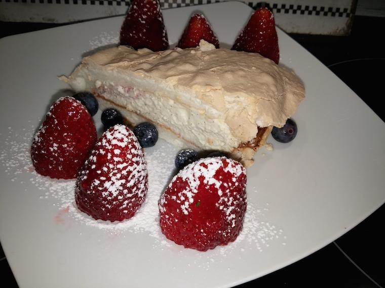 dobry-tort-bezowy