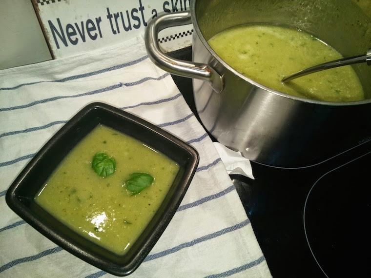zupa-z-cukinii-krem