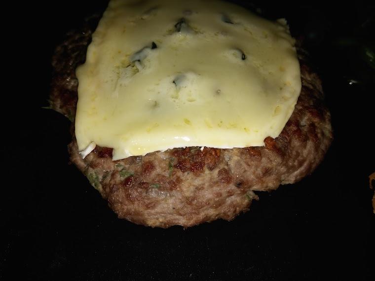 burger-z-serem-combozolla