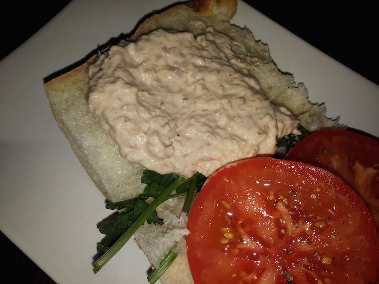 kanapka-z-pasta-z-tunczyka