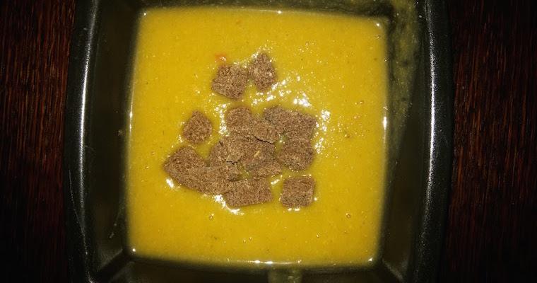 Zupa dyniowa z czerwoną soczewicą