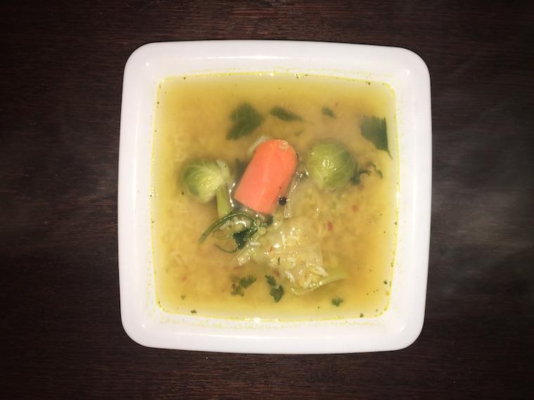 zupa-wegetarianska-z-soczewica