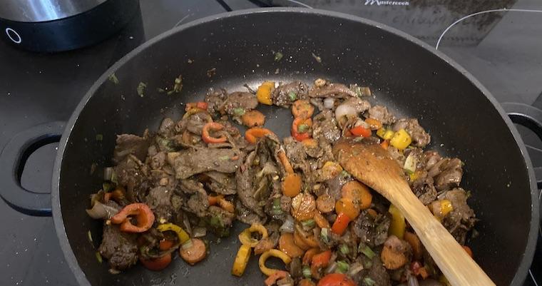 Wołowina po chińsku z warzywami